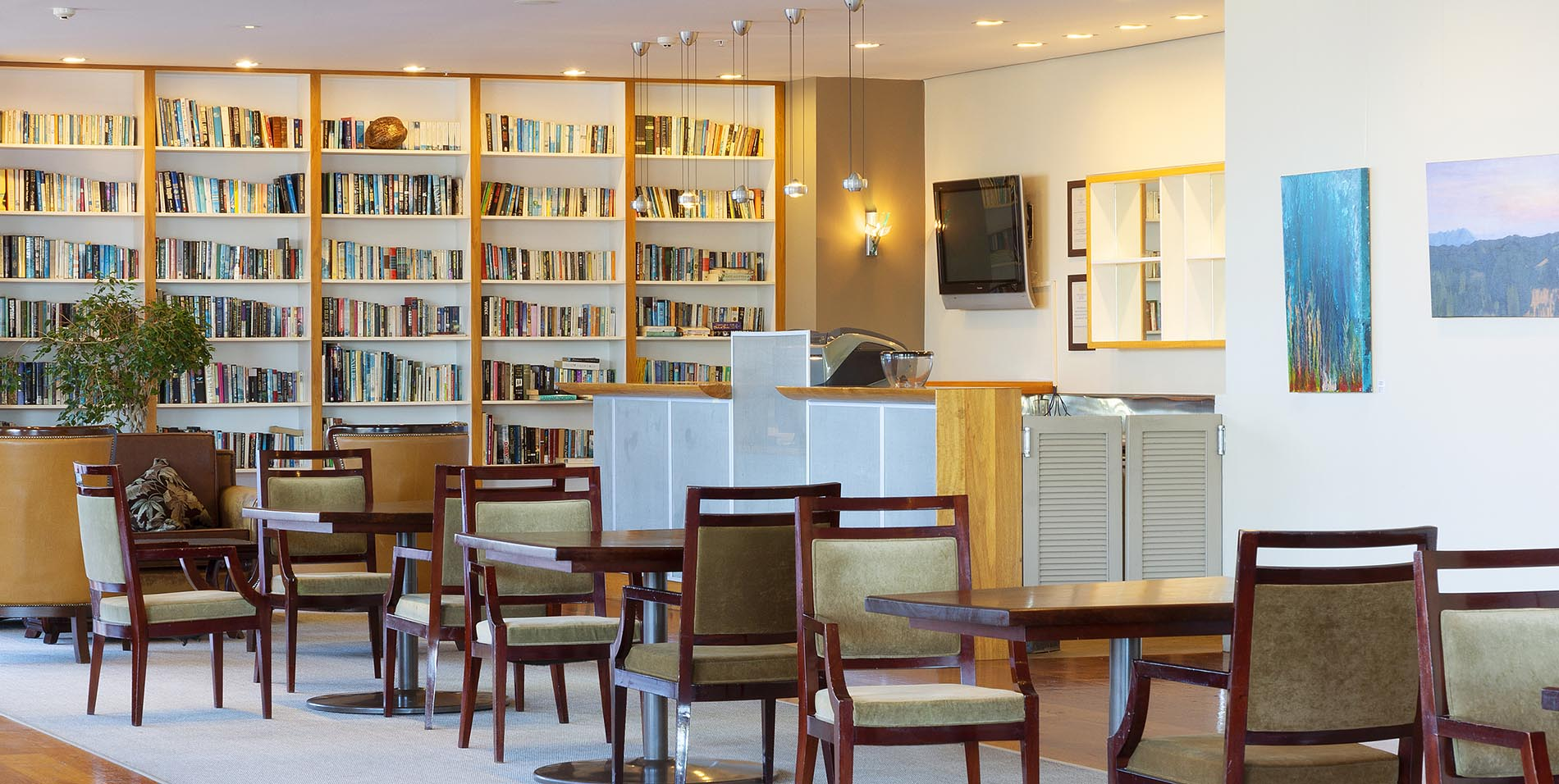 The Spencer Hotel, Takapuna Hotel, LIbrary Bar slideshow rs