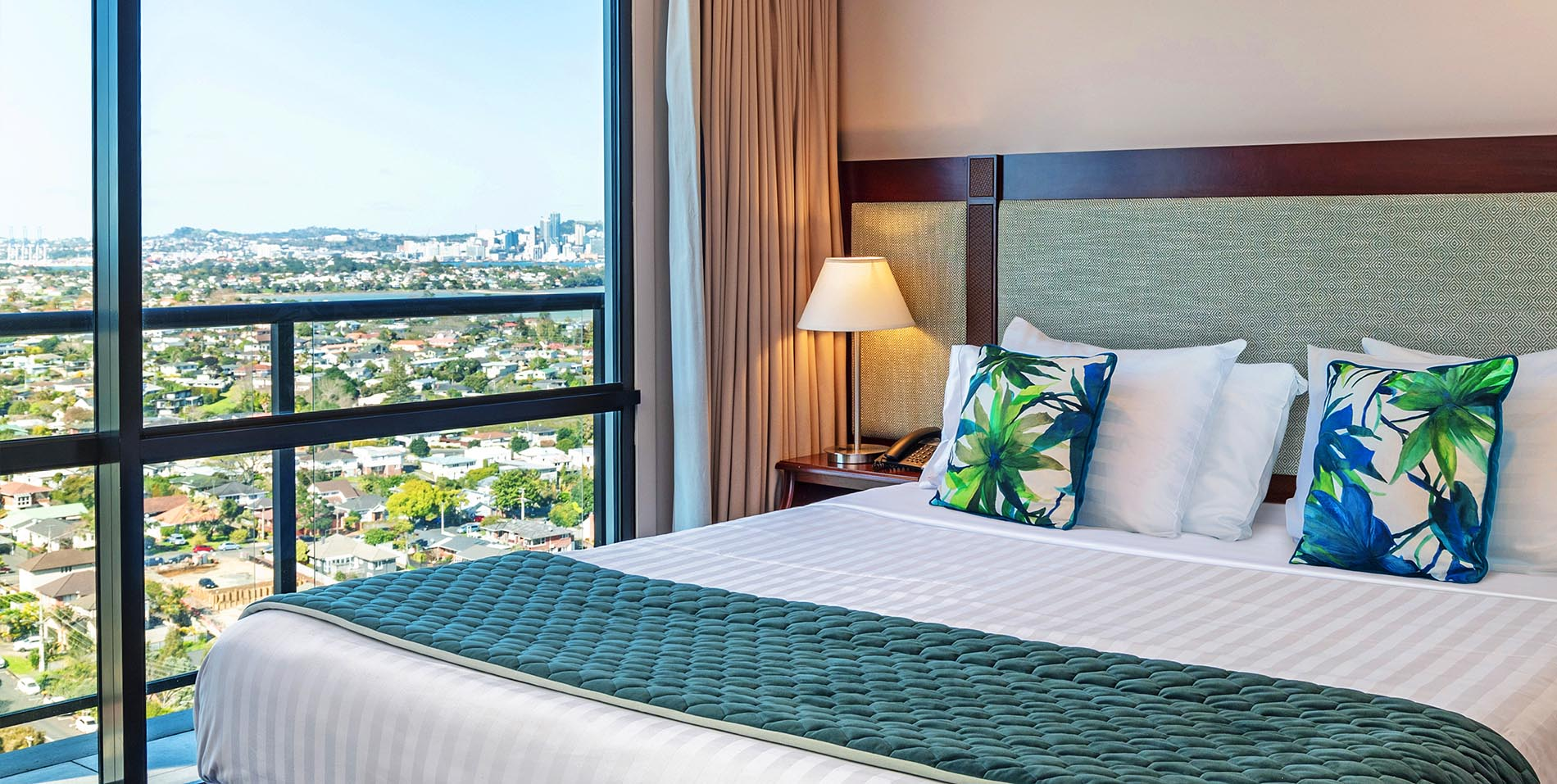 The Spencer Hotel, Takapuna Hotel, Spencer Hotel One Bed Balcony View Slideshow HD