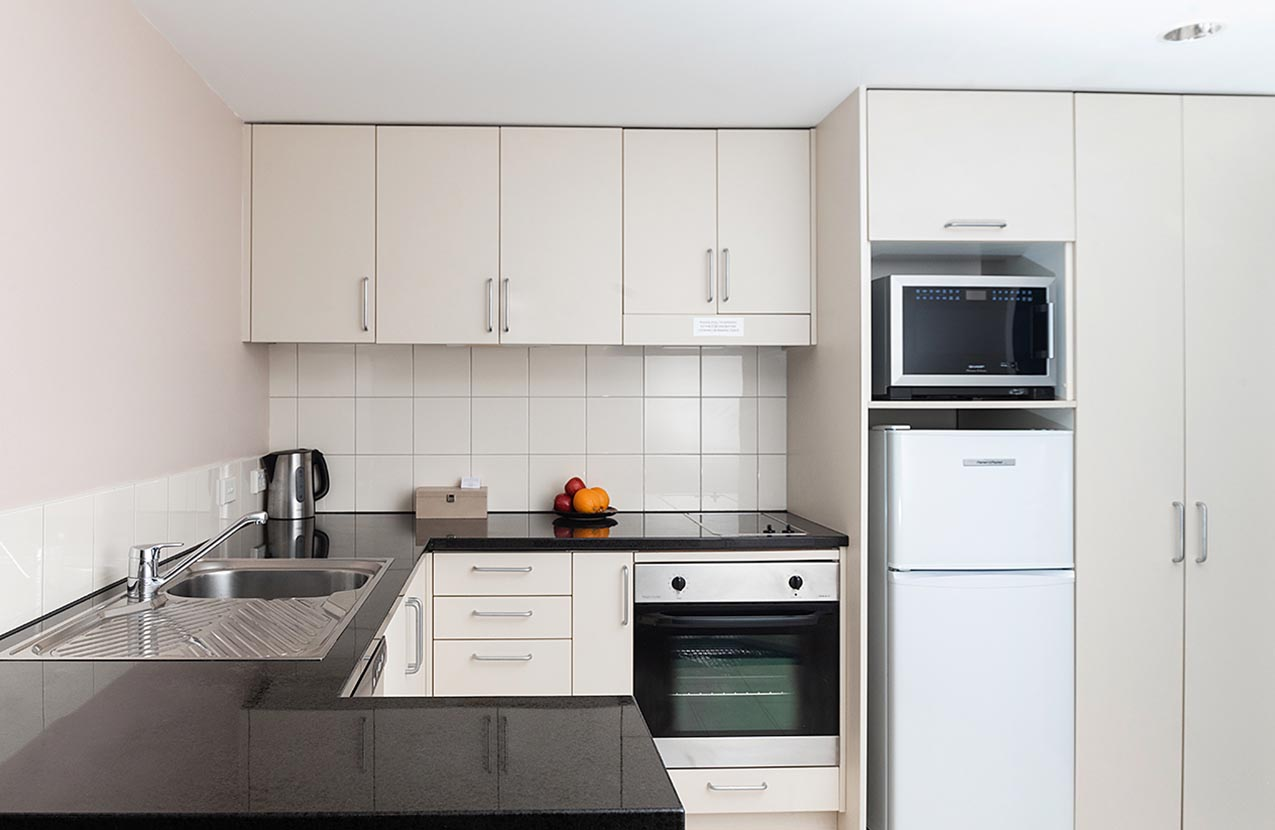 The Spencer Hotel, Takapuna Hotel, Spencer Hotel Family Suite Kitchen