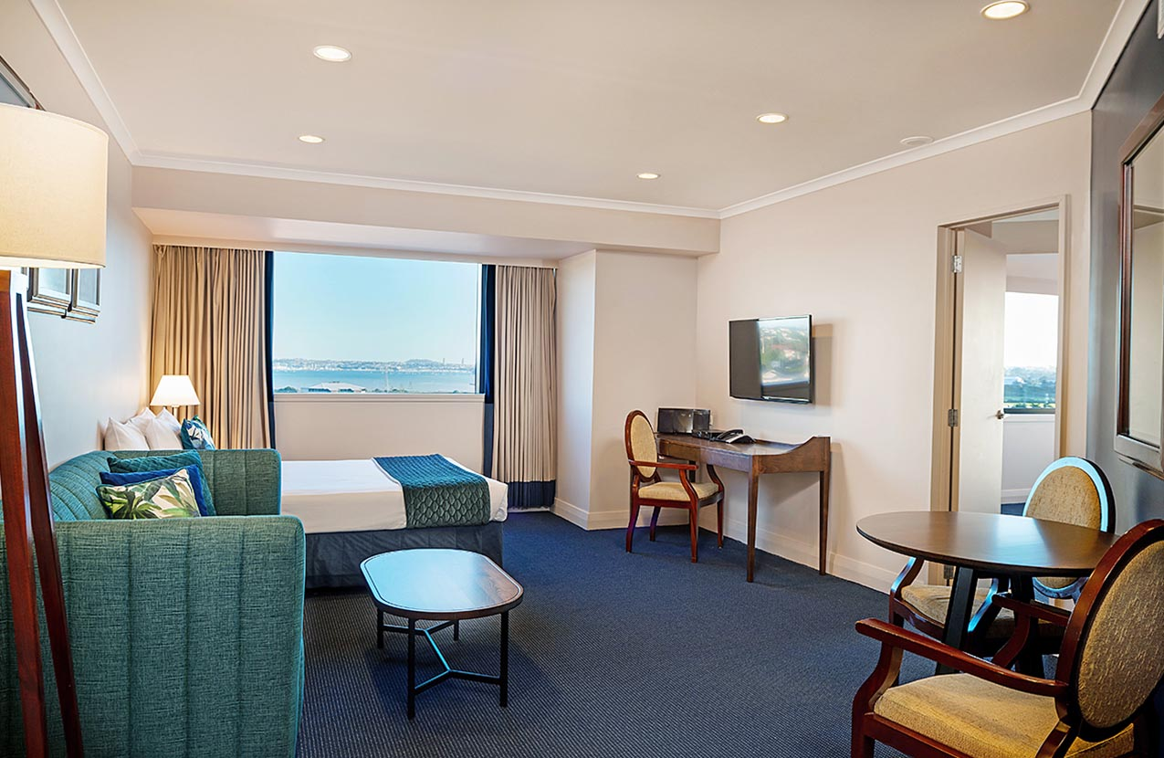 Spencer Hotel Family Suite Lounge