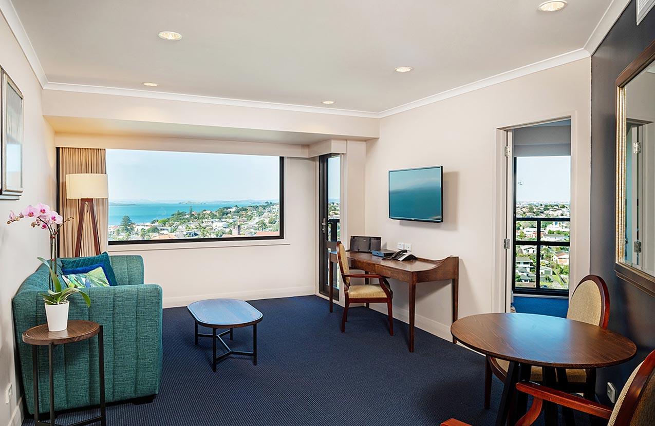 Spencer Hotel One Bedroom Balcony Lounge