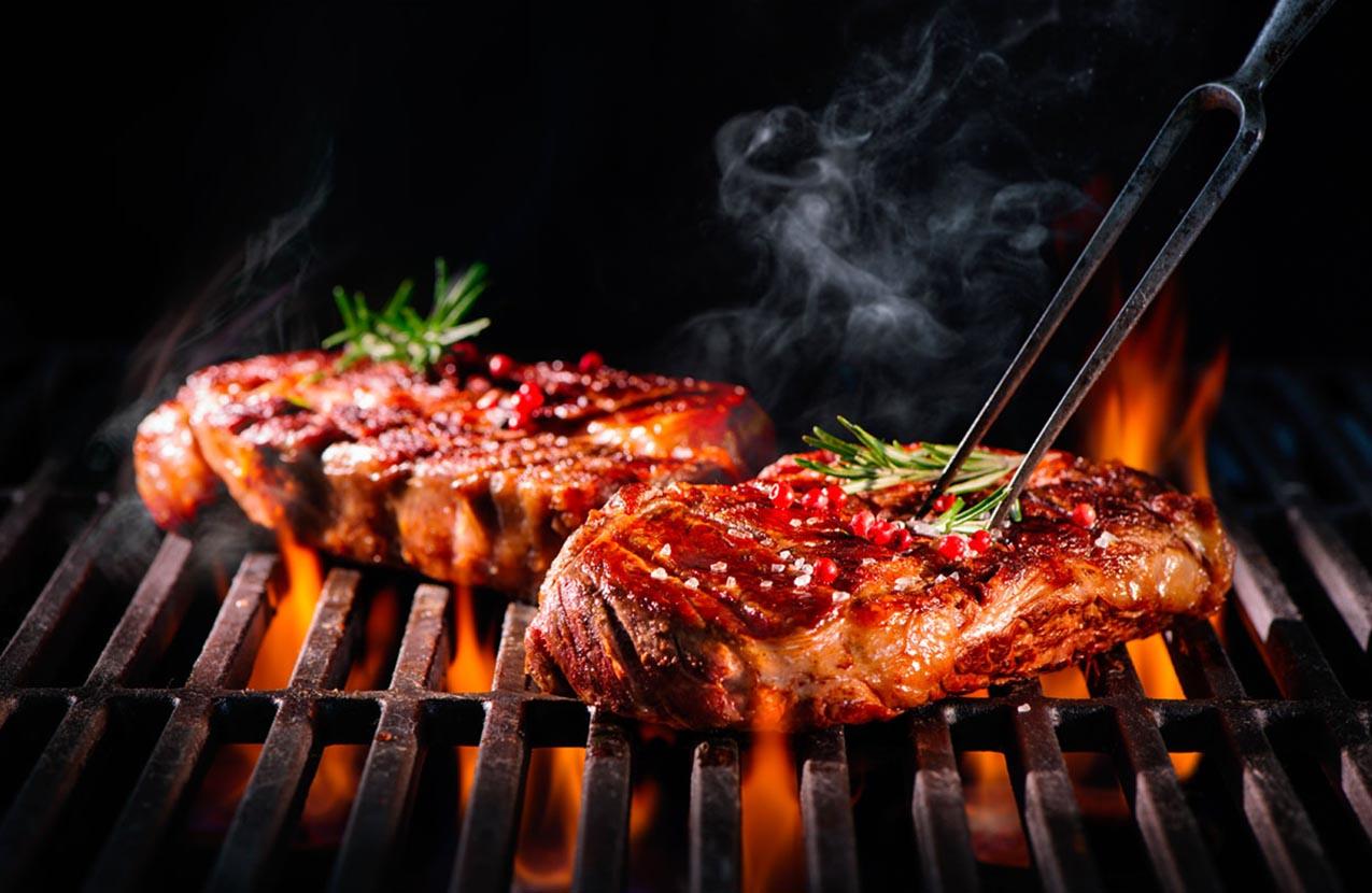 Spencer Hotel SmokePit & Bouy restaurant grill