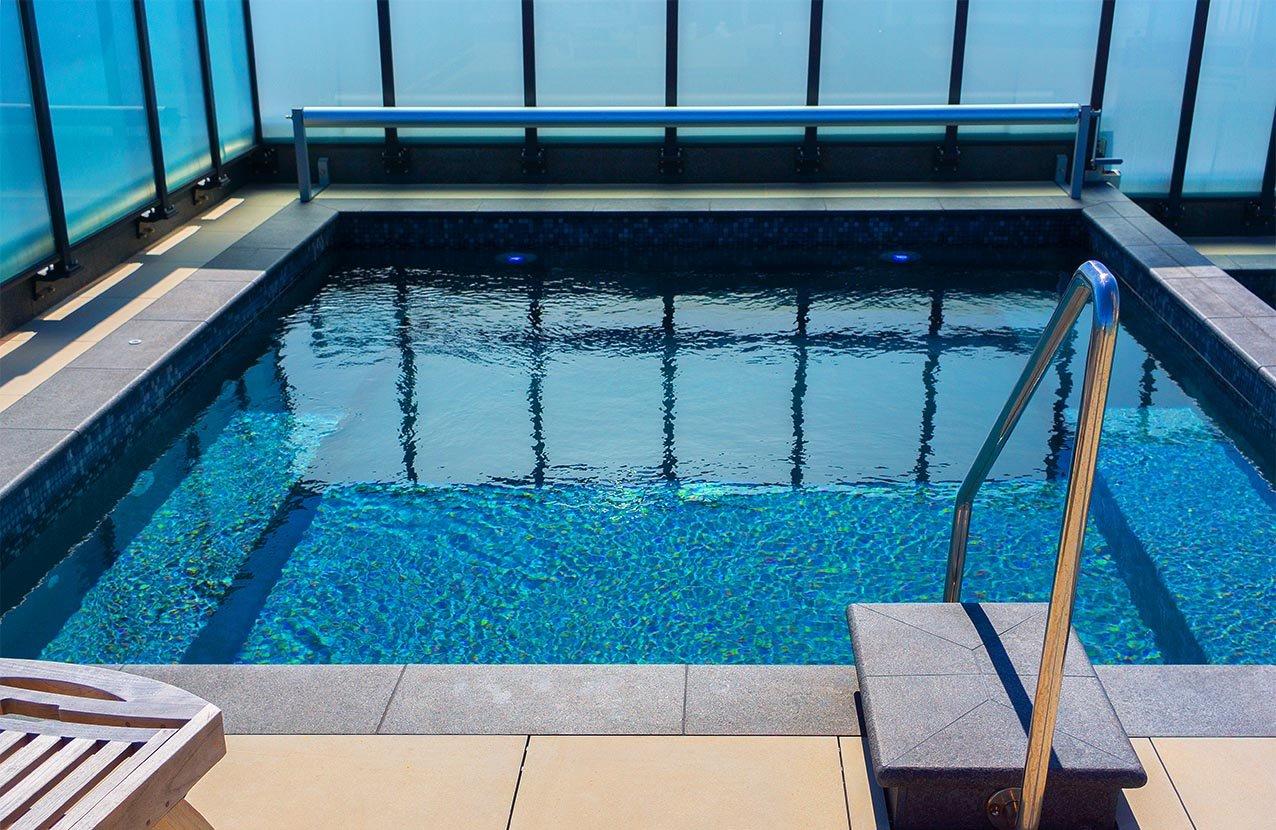 Spencer Hotel Spa Pool 1