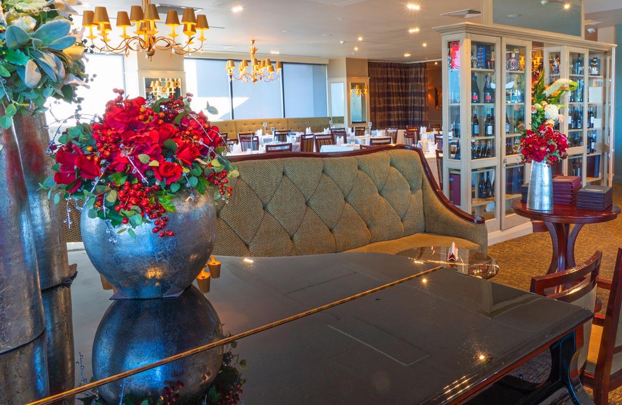 Spencer Hotel SmokePit & Bouy restaurant